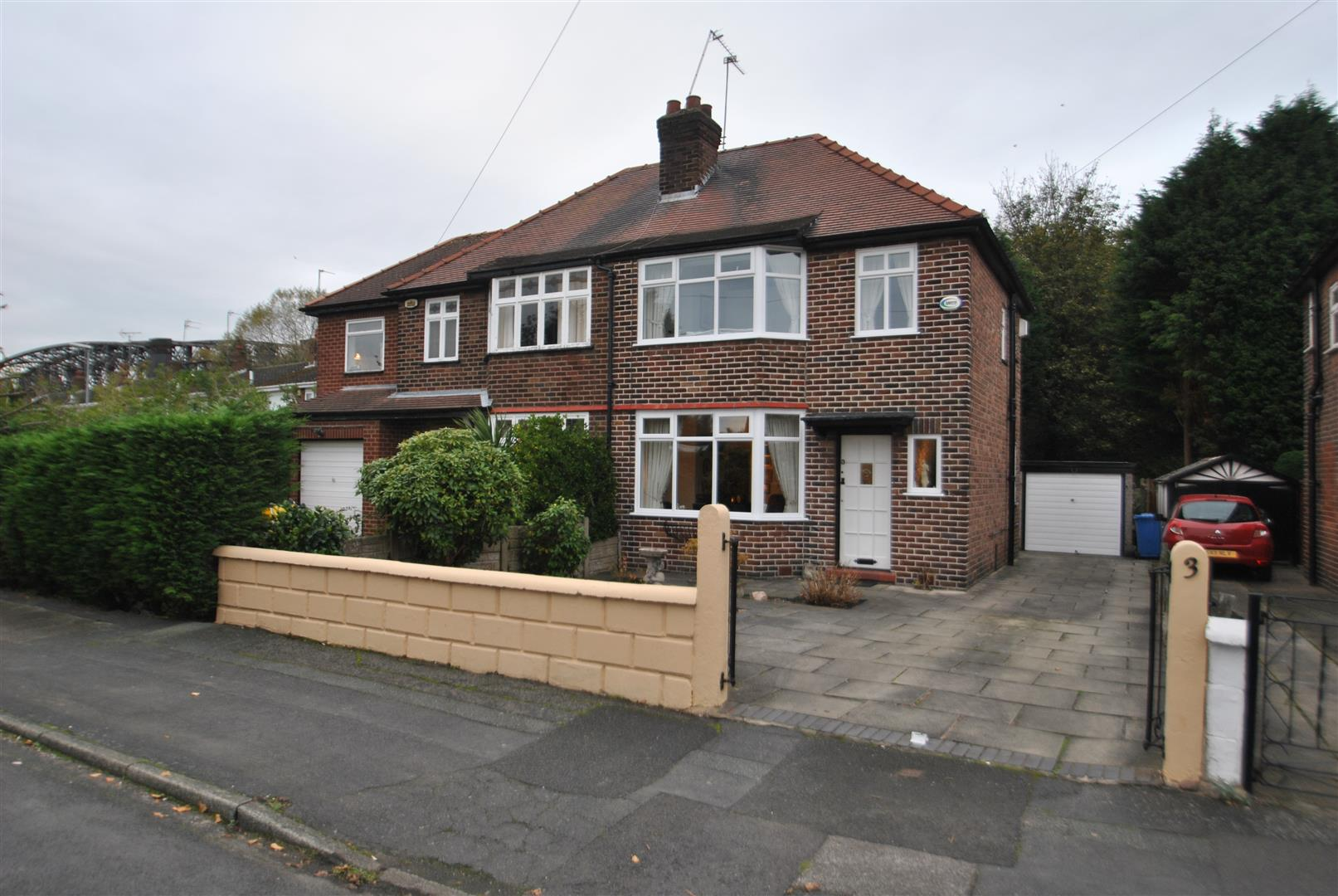 2 Bedrooms Semi Detached House for sale in Springfield Avenue, GRAPPENHALL, Warrington, WA4
